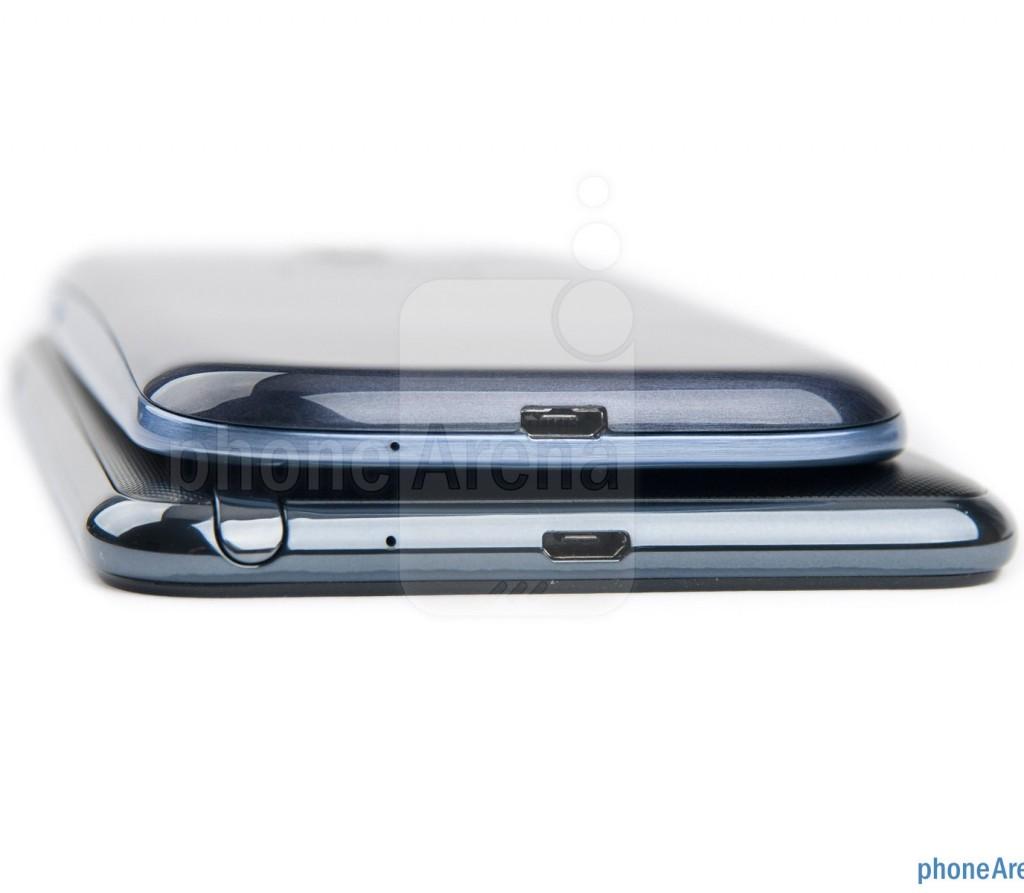 Samsung Galaxy S III против Galaxy Note, толщина с торца корпуса