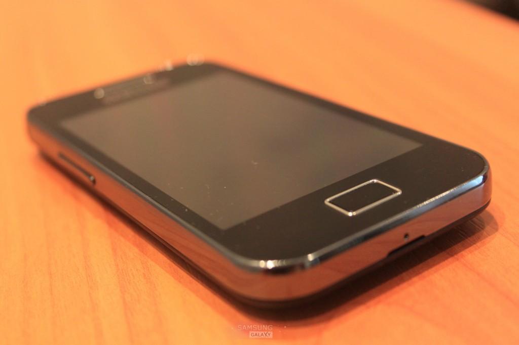 Фотографии телефона Samsung Galaxy Ace GT-S5830