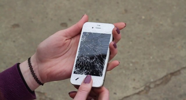 Краш тест Samsung Galaxy S 3 и iPhone 4s