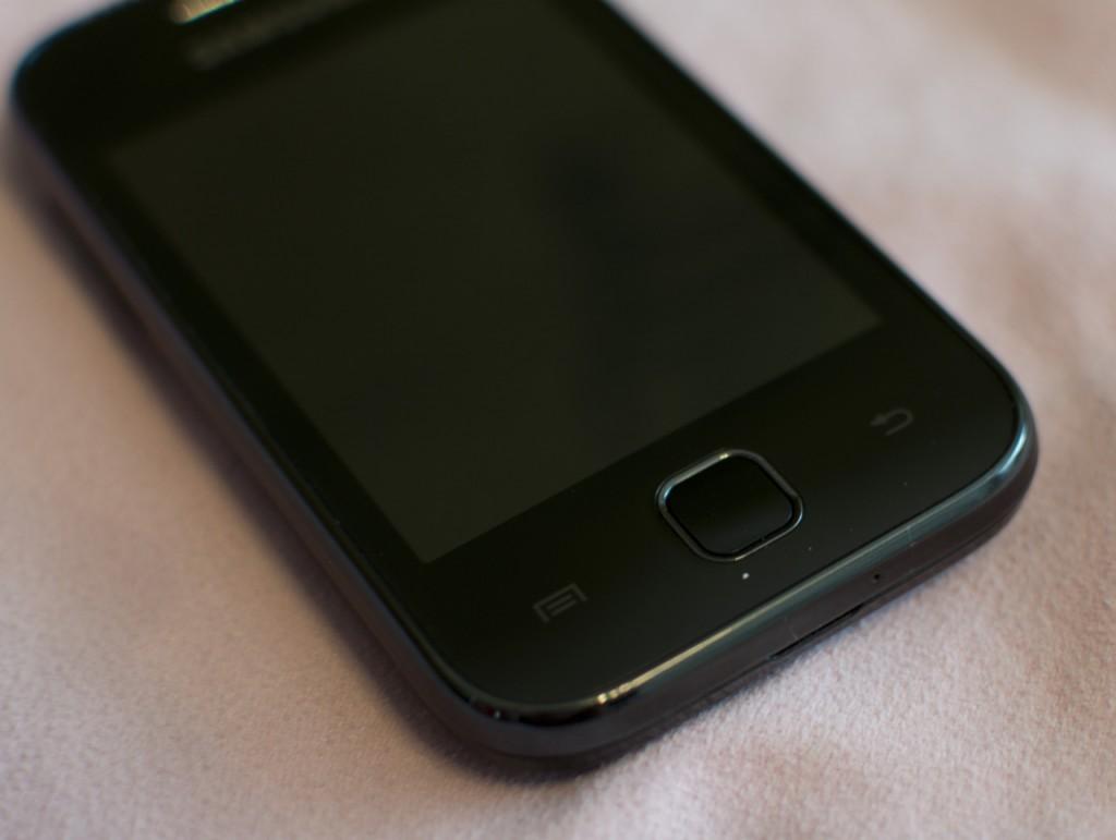 Внешний вид лицевой панели Samsung Galaxy Y S5360