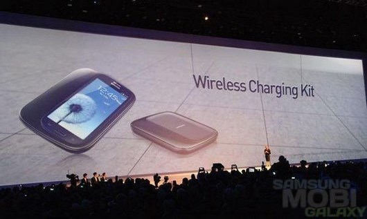 Samsung Galaxy S4 получит беспроводную зарядку Qi