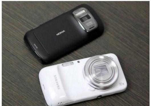 Небольшое сравнение Galaxy S4 Zoom с Galaxy Camera