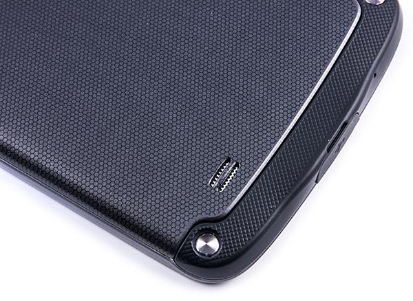 Качественный корпус смартфона Samsung Galaxy S4 Active
