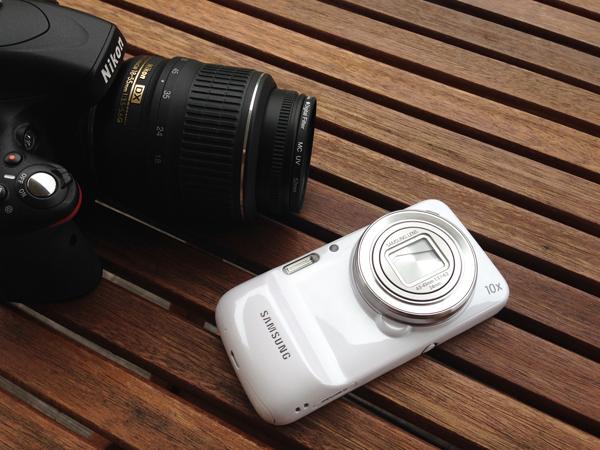 Samsung Galaxy Ace 3 Samsung Galaxy S4 Zoom и Зеркальная камера Nikon