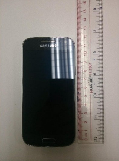 Galaxy S4 mini и линейка