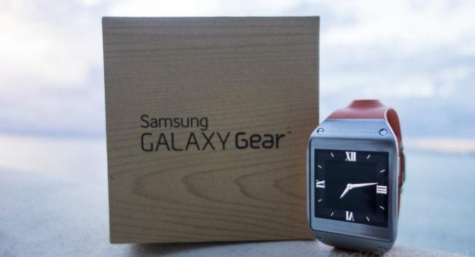 Распаковка умных часов Samsung Galaxy Gear