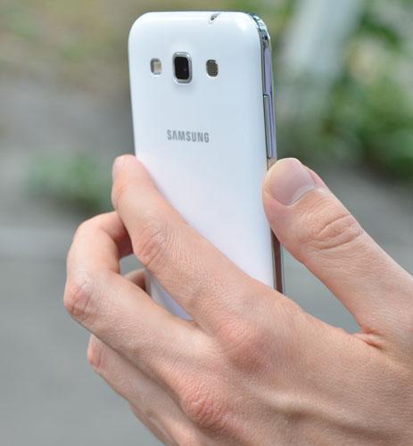 Samsung Galaxy Win во время фотосъемки