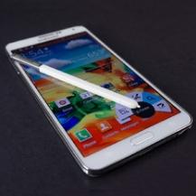 Белый телефон со стилусом