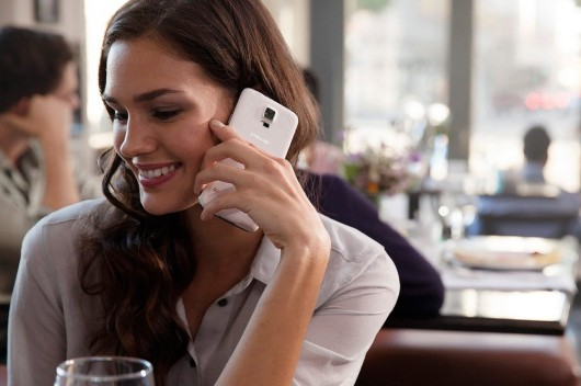 Samsung Galaxy S5 во время разговора