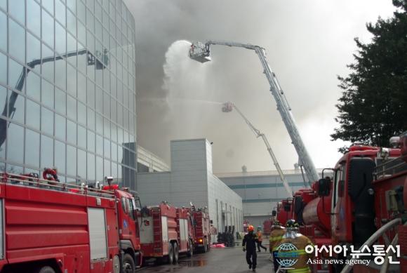 Пожар на заводе-партнере Samsung