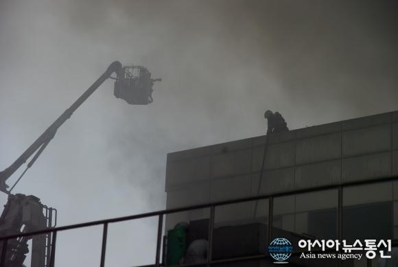 Тушение пожара на заводе по производству PCB
