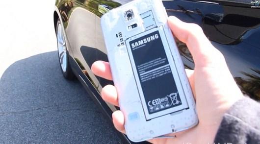 Тест наезд на Samsung Galaxy S5 машиной