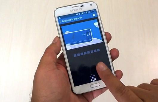 Сканер отпечатка пальцев Samsung Galaxy S5 - действие на видео