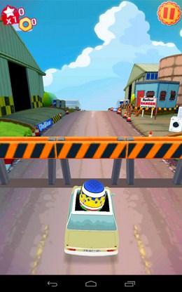 Проскальзываем под ограждением - Top Gear: Race The Stig для Android