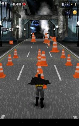 Разбиваем конусы - Batman & The Flash Hero Run для Android