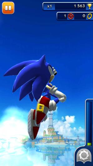 Необычный прыжок ежа в игре Sonic Dash для Андроид