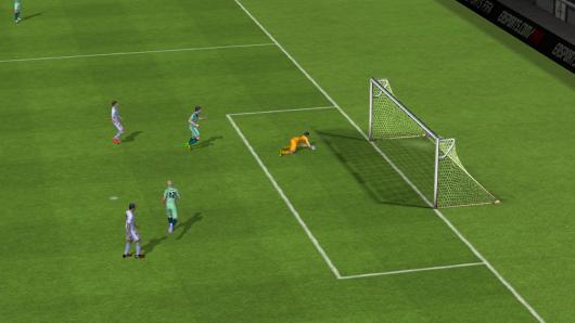 FIFA 15 Ultimate Team - множество опасных моментов