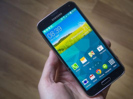 Samsung Galaxy S5 Duos теперь доступен в России