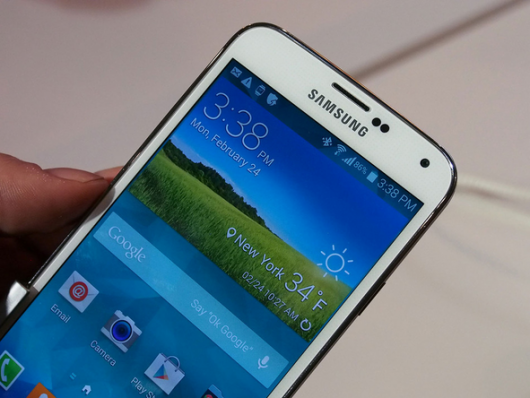Позиции Samsung на рынке, новинка Galaxy Grand 3 и обновление флагмана до Android Lollipop - свежая информация