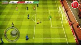 Поле - Striker Soccer Euro 2012 для Android