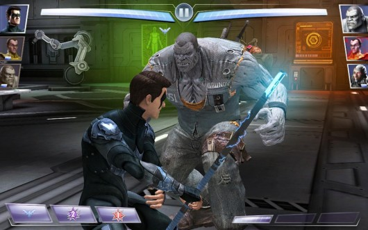 Injustice: Gods Among Us  - бои крутых героев