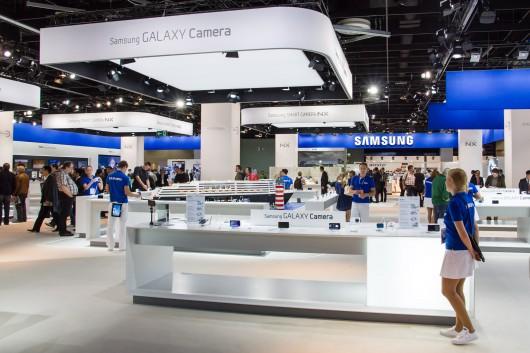 Снижение продаж смартфонов Samsung продолжается