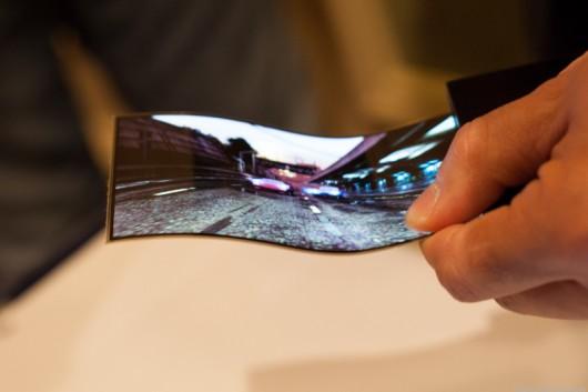 В 2016 году Samsung представит гнущийся смартфон