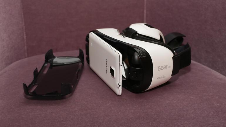Gear VR - шлем виртуальной реальности