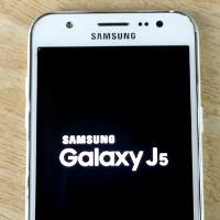 Бюджетный аппарат Samsung Galaxy J5