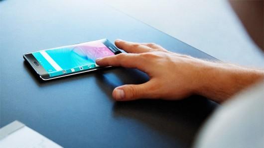Функционал боковых панелей смартфонов Samsung