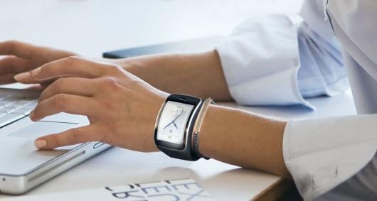 "Круглые ""умные"" часы от Samsung"