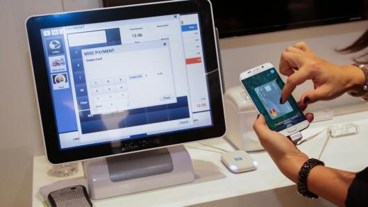 Начался публичный тест Samsung Pay