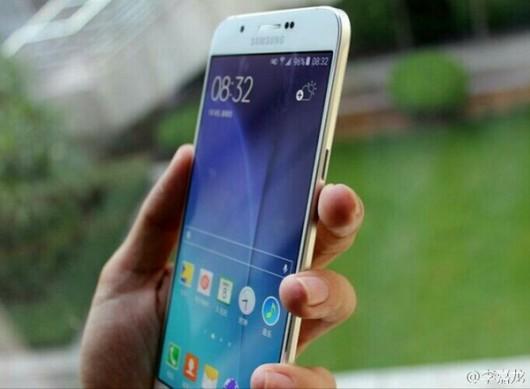 Самый тонкий смартфон компании - Samsung Galaxy A8