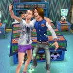 Персонажи далают селфи в The Sims Freeplay