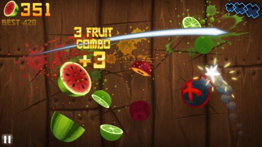 Разрезанные нарисованные фрукты из игры Fruit Ninja Free