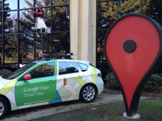 Автомобиль с аэрографией Google Maps